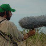 El doctor Juan Ignacio Areta, investigador  del Instituto de Bio y Geociencias del Noroeste Argentino (IBIGEO) - perteneciente al CONICET y con sede en la ciudad de Rosario de Lerma, Salta – grabando cantos de aves.