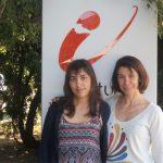 Inés Samengo (der.) y María da Fonseca, físicas del Instituto Balseiro y el Centro Atómico Bariloche, son las autoras del estudio centrado en la capacidad humana para discriminar colores.