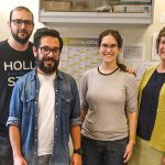 """El científico rosarino, el doctor Daniel Francés (segundo a la derecha), realiza actualmente una nueva estancia en el laboratorio de la Dra. Paloma Martín-Sanz (der.) en el Instituto de Investigaciones Biomédicas (IIB) """"Alberto Sols"""", en Madrid, España."""