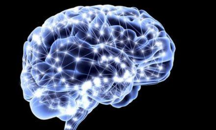 Un simple análisis de sangre puede mostrar el riesgo aumentado de Alzheimer