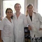 Las autoras del estudio, las doctoras María Eugenia Cortina (izq.), Silvana Litwin y Silvia Miranda, del Laboratorio de Glico-Inmuno-Biología del Instituto de Investigaciones Cardiológicas, dependiente de la UBA y del CONICET.