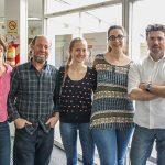 Julio Caramelo (der.), líder del estudio en el Instituto Leloir, con Gabriela Gomez, Paula Couto, Carlos Labriola y Soledad Labanda, también autores del trabajo.