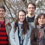 Los autores del avance, la doctora Raquel Chan, jefa de grupo y directora del Instituto de Agrobiotecnología del Litoral, Pamela Ribone, Matías Capella y Agustín Arce.