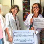 La doctora Graciela Boccaccio, investigadora del CONICET y jefa del Laboratorio de Biología Celular del RNA en el Instituto Leloir, y tres integrantes de su grupo.