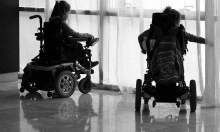 Familias reclaman costoso tratamiento para niños con atrofia muscular espinal